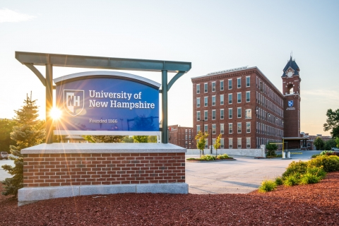 Exterior University of New Hampshire at Manchester
